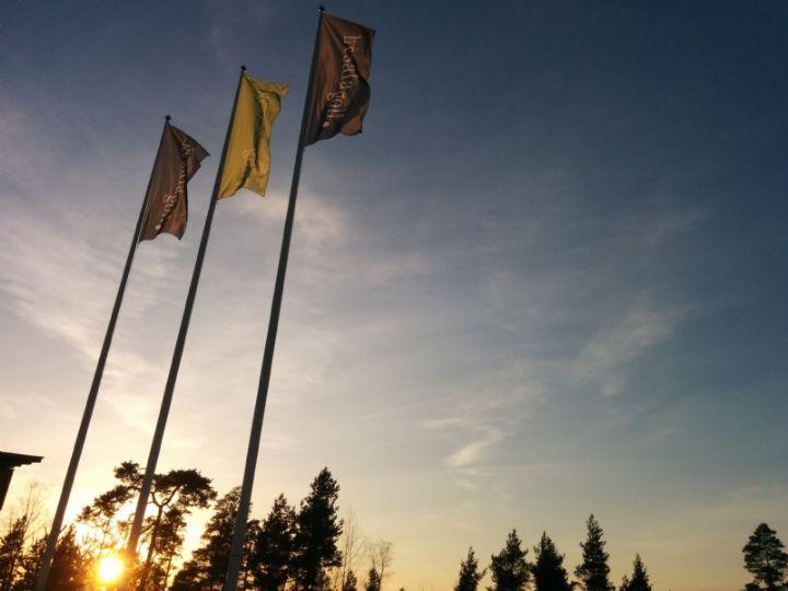 Auringonlasku avajaispäivän aattona 10.4.2015